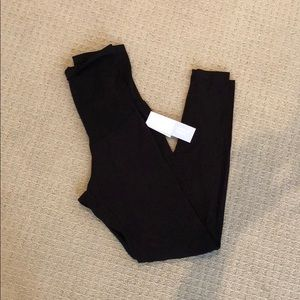 NWT Motherhood Maternity leggings size small